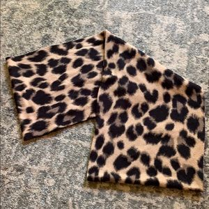 Old navy leopard print infinity scarf